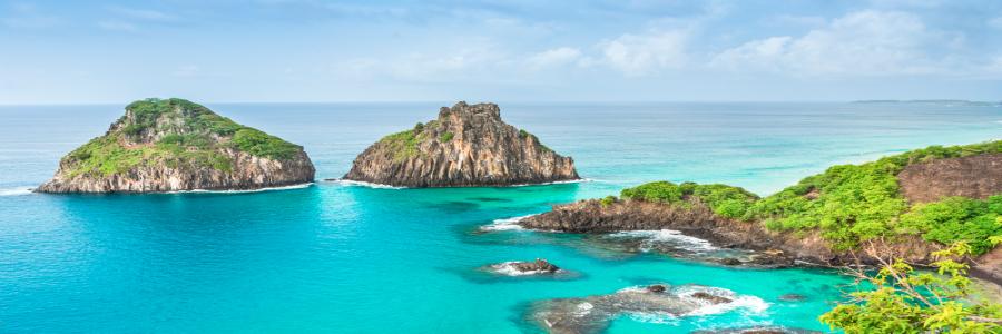 PARADISIAC BEACHES ON FERNANDO DE NORONHA